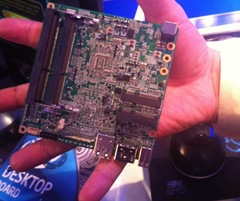 NUC Platine - Quelle: http://www.sweclockers.com/nyhet/15372-intel-visar-formfaktorn-next-unit-of-computing-pa-10x10-cm